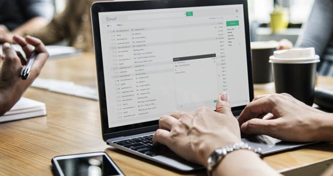 Como vincular contas de e-mail em um só Gmail